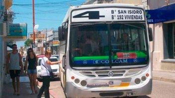 Concepción del Uruguay: Por mal estado de calles colectivo suspende servicio