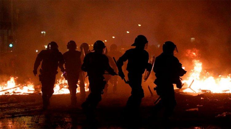 Videos: Disturbios y represión policial en protestas en Barcelona