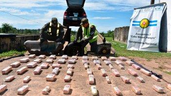 Ocultaron 52 kilos de droga en partes de un auto para traficarlos en Entre Ríos