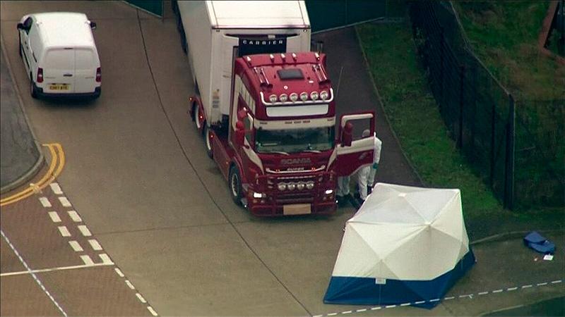 Hallan 39 cadáveres en el interior de un camión en Inglaterra