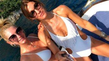 Curvas a los 50: El sensual saludo de Yanina Latorre a una amiga
