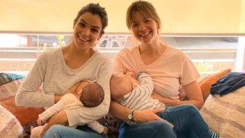 La tierna foto de Agustina Cherri y Marcela Kloosterboer amamantando a sus bebés