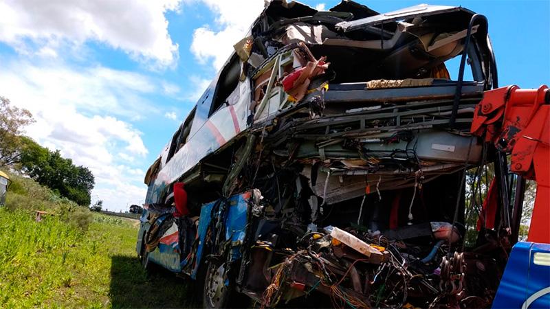 Tragedia vial con cinco muertos: Detuvieron al chofer del colectivo