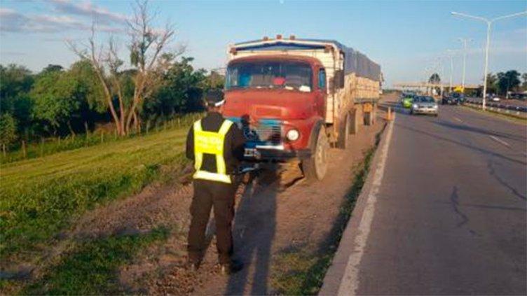 Camionero viajaba por la Ruta 168 con casi 2 puntos de alcohol en sangre