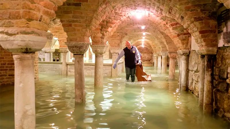 La basílica de San Marcos inundada