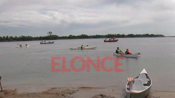 Estudiantes de la escuela del Puerto probaron las embarcaciones que fabricaron