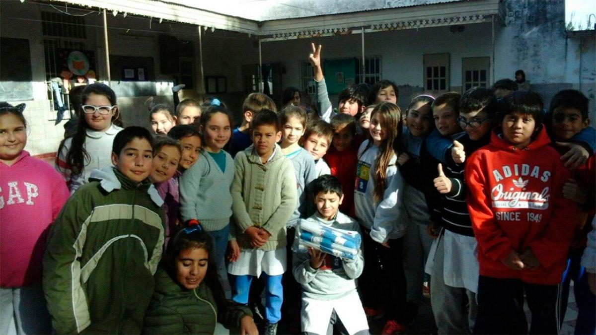 Banderitas en la escuela primaria Alvarez Condarco