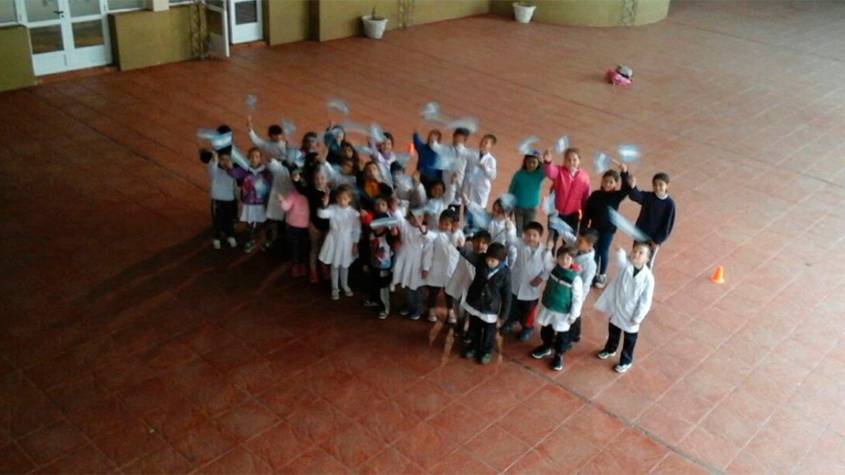 Escuela Las Heras.-