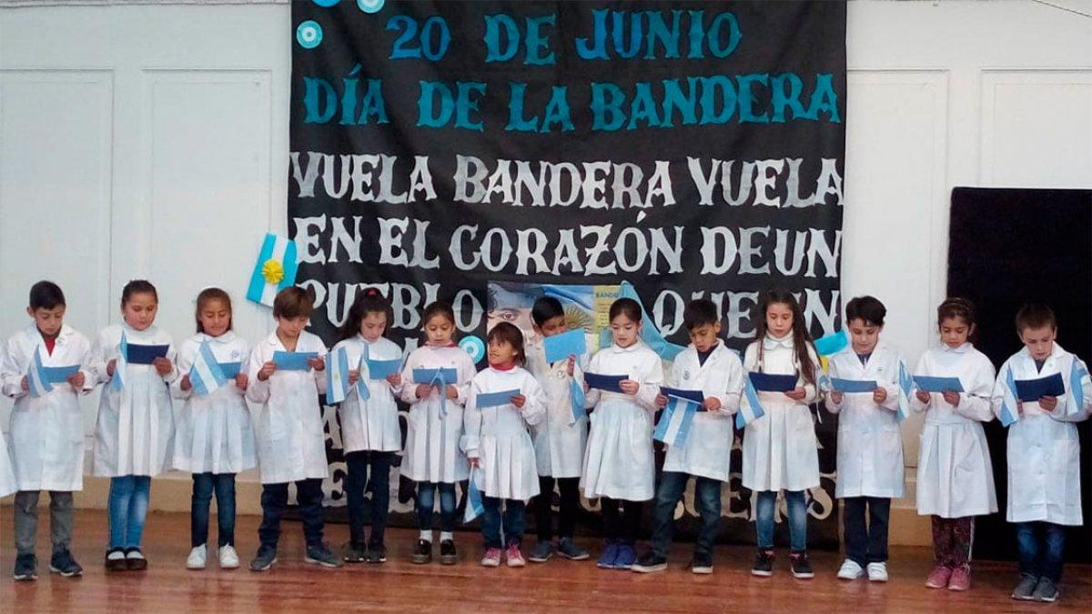 """Escuela Nº3 """"Bernardino Rivadavia""""."""