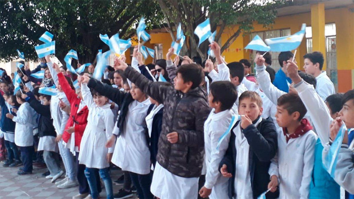 "Escuela Nº18 ""Evaristo Carriego""."