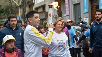 La Antorcha Olímpica pasó por Paraná: Destacados deportistas la portaron