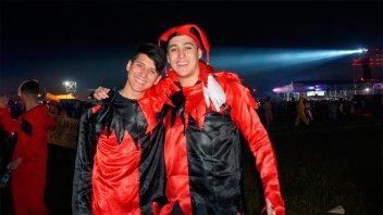 Fiesta de Disfraces: Fotos del incesante desfile de personajes en Paraná