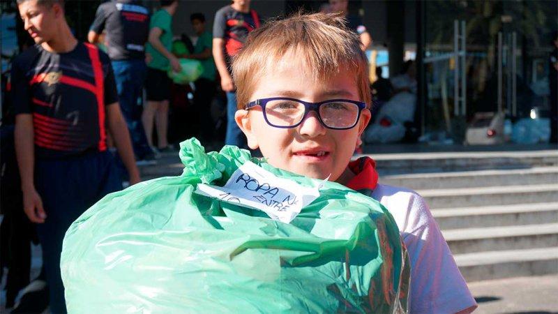 Pasamos solidario en Sala Mayo: Así se reciben las donaciones de Once por Todos