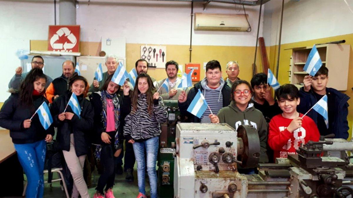 """Escuela Técnica Nº5 """"Malvinas Argentinas"""""""