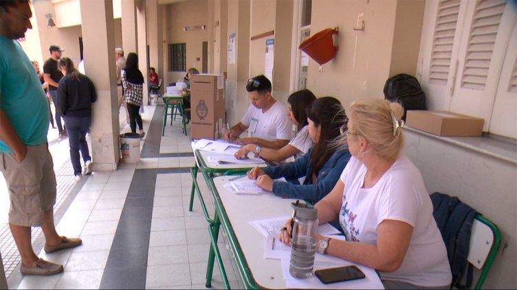 Elecciones Generales: El acto eleccionario en escuelas de Paraná