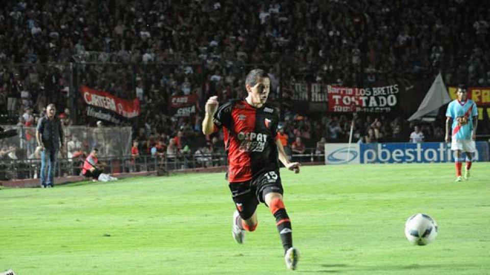 ARCHIVO: Nicolás Silva espera una resolución de FIFA para dejar Colón de Santa