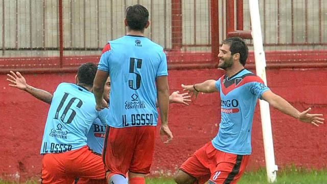 El Tricolor no supo mantener el resultado y el Aurirrojo rescató un punto.