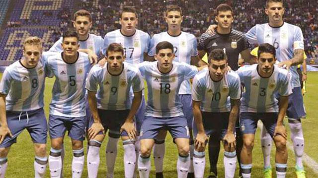 12fdea35a2ef3 La camiseta olímpica ya está en la utilería de la selección argentina.