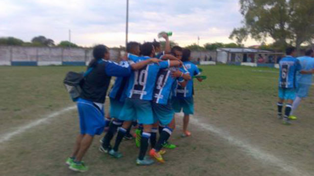 Peñarol le ganó el clásico a Sportivo Urquiza. (Foto: Minuto a Minuto)