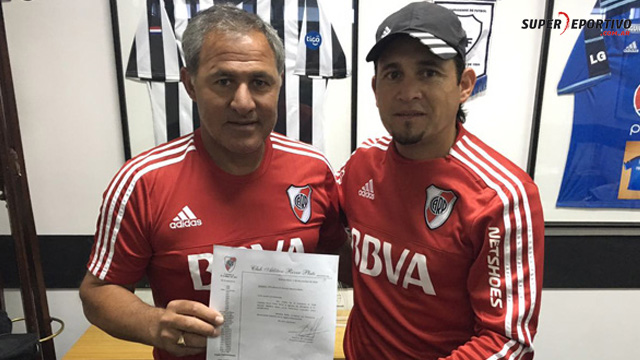 El Mencho es recibido por Daniel Brizuela, Director de Captación de River.