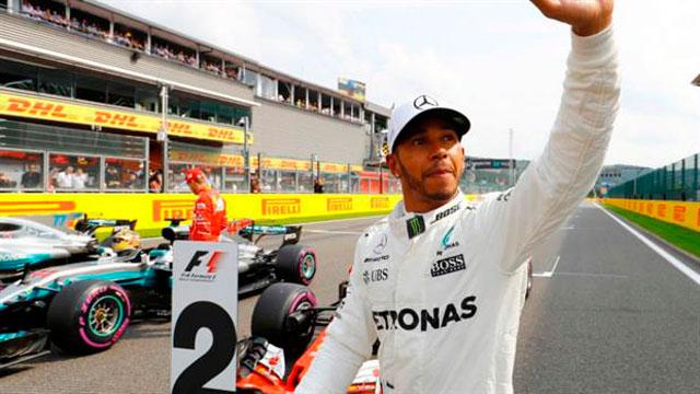 Hamilton logró la pole en Bélgica e igualó el récord de Schumacher.
