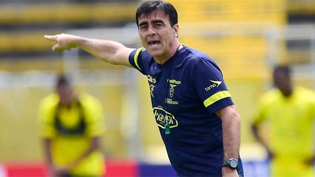 Ecuador despidió al DT Gustavo Quinteros.