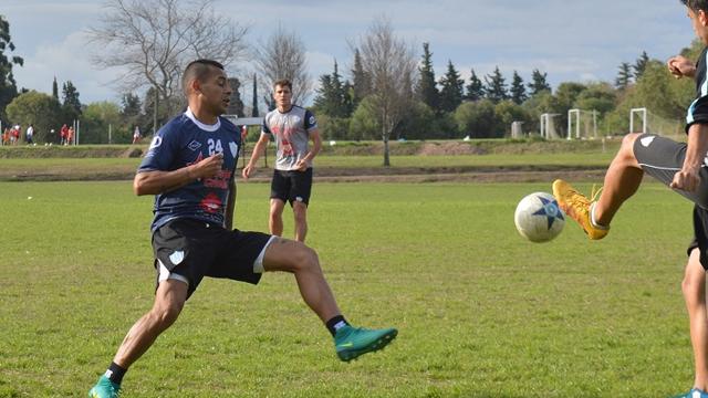 Osurak volverá a vestir la camiseta de Belgrano en el Federal B.