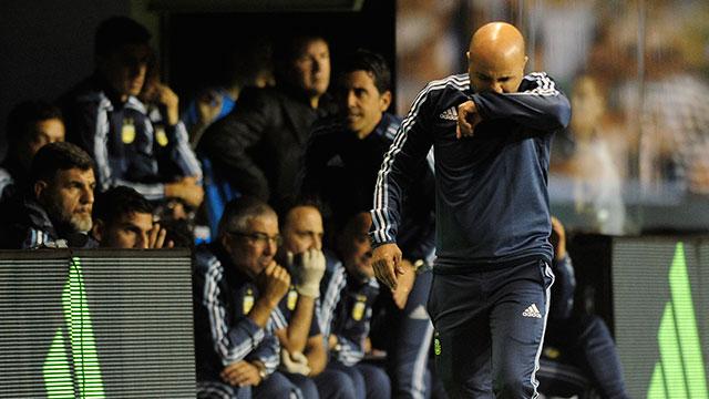 Sampaoli arranca una gira por Europa y se reunirá con Messi.