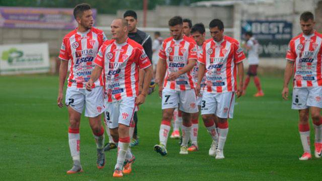 Atlético Paraná no lo pudo aguantar y empató ante Defensores de Pronunciamiento