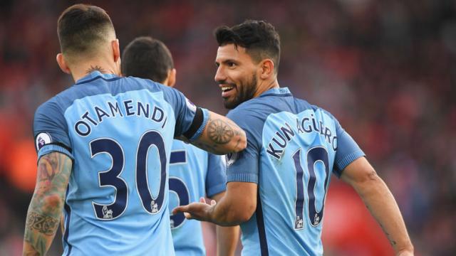 Los argentinos le dieron la victoria al Manchester City que se mantiene en la cima