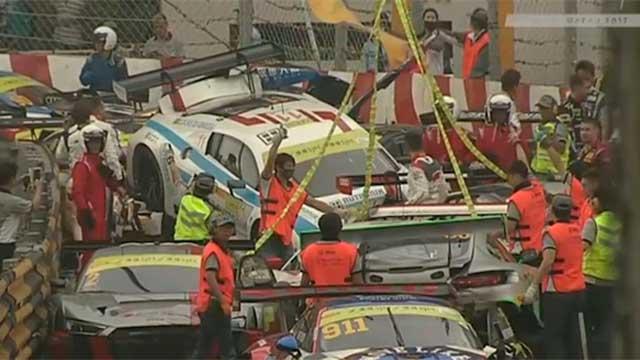 Choque múltiple en la Copa Mundial de la FIA: 16 autos quedaron