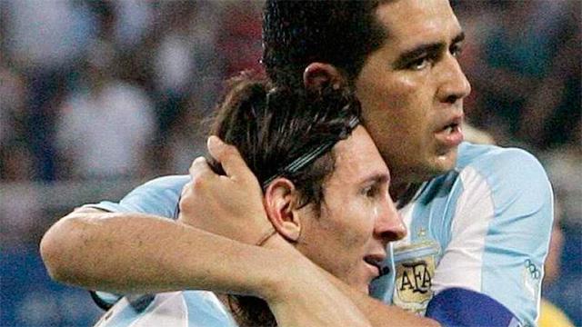 Lionel Messi le respondió a Riquelme por la invitación a su partido homenaje