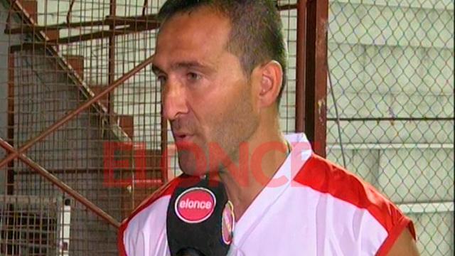 Benítez dejó de ser el DT Rojiblanco.
