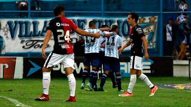 Atlético de Tucumán ganó y dejó sin invicto a Colón.