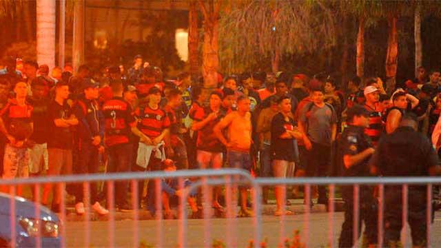 Conmebol abrirá un expediente en contra de ambos clubes.