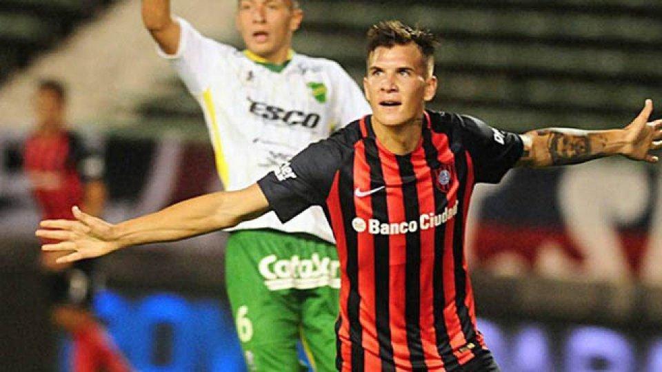 """""""El Pampa siempre me habla, él jugó de 9 y sabe lo que se siente"""", dijo Reniero."""