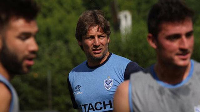 Vélez goleó a Almirante Brown.