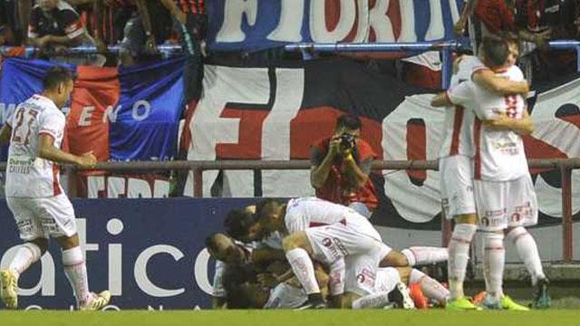Huracán derrotó a San Lorenzo en Mar del Plata
