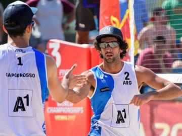 Beach Volley: El entrerriano Azaad sigue adelante en Chile y Gallay fue eliminada