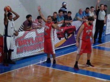 Talleres logró un triunfo clave de visitante ante ADEV por la Liga Provincial