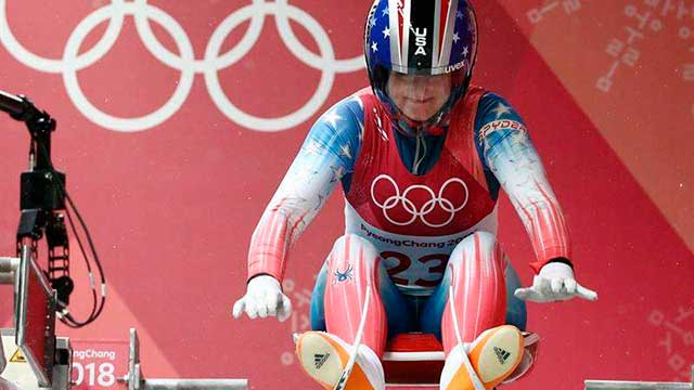 Emily Sweeney protagonizó un tremendo accidente en luge.