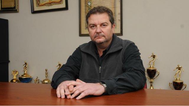 Alejandro Schneider será candidato a presidente de la Liga Paranaense.