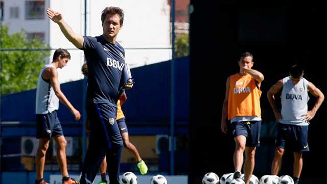 Sin Tevez, Barros Schelotto probó el equipo de Boca para recibir a Patronato