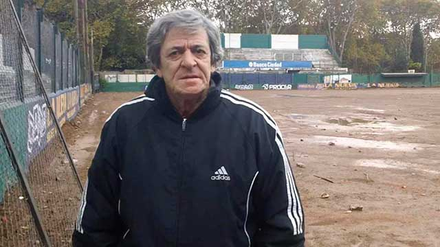 René Houseman, pura fantasía para el fútbol argentino.