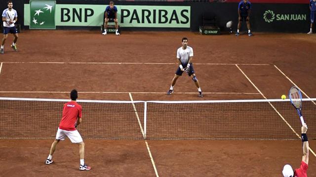 El punto conseguido en el duelo de dobles dejo la serie match point para Chile