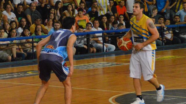 El Celeste y el Sanjo jugarán desde las 21.30 en busca del título provincial.