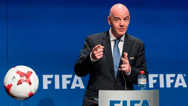 """""""La FIFA tomó una decisión y vamos a avanzar con ella"""", señaló Infantino."""