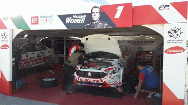 El equipo trabajó en el auto de Mariano Werner.