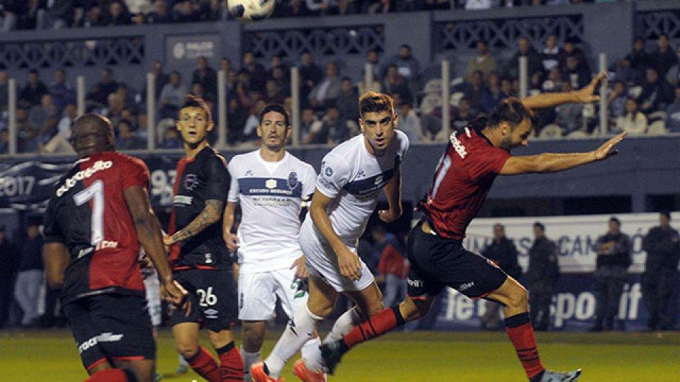 Gimnasia se despidió de la Superliga con un triunfo ante Newell´s.