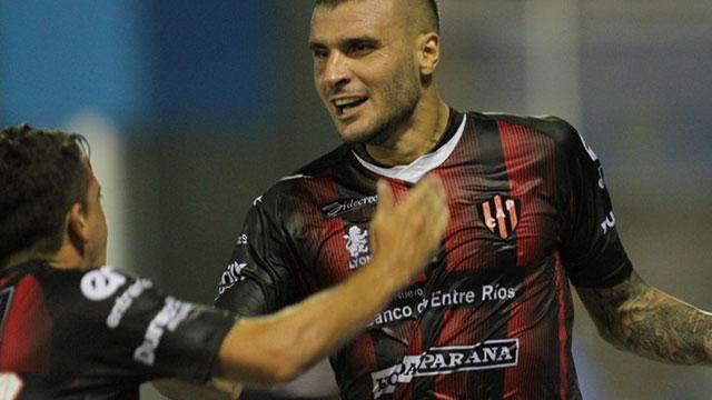 El Vikingo selló su contrato con el Granate por tres temporadas.